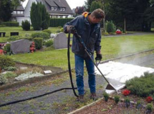 Weed control machines with hot insulating foam